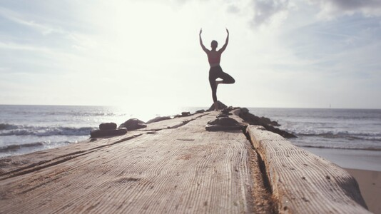 Yogaübung am Meer